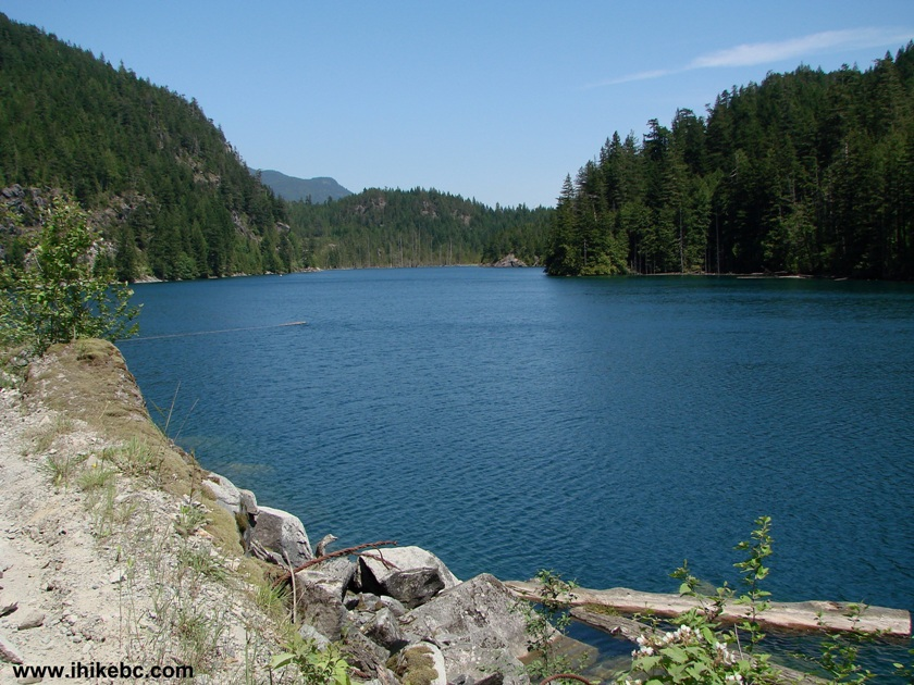 elbow lake About 9½ miles west of northport in the colville national forest, up the big sheep creek drainage at 2875 feet elevation previously known as the crown lake, it is open for fishing the 4 th saturday in april through october 31.